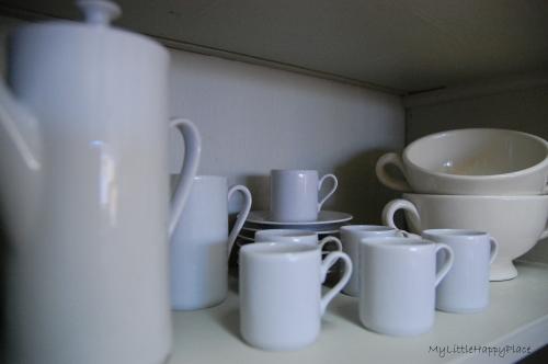 white dishes[1]